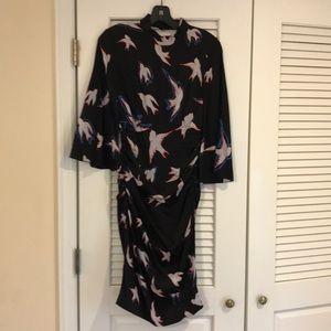 Sexy form fitting midi dress!